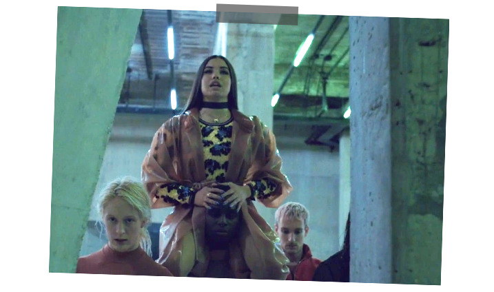 Mabel Stars in Video For Tate Modern