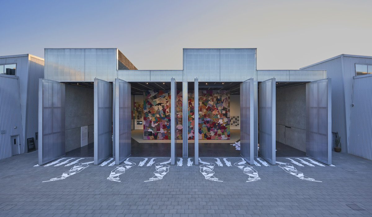 Fabric(ated) Fractures installation view_Photography by Musthafa Aboobacker8