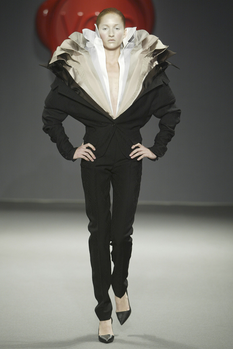 One Woman Show ‑ Look 32 Designed for: Viktor and Rolf ((Dutch, founded in 1993)) Designed by: Viktor Horsting ((Dutch, born in 1969)) Designed by: Rolf Snoeren ((Dutch, born in 1969)) Dutch, Autumn/Winter 2003‑4 Satin *Viktor & Rolf A/W 2003, One Woman Show, Look 32 *Courtesy, Museum of Fine Arts, Boston