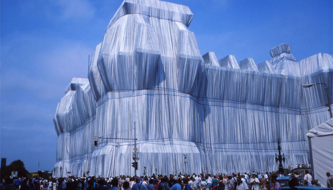 Cheat Sheet On Christo and Jeanne-Claude